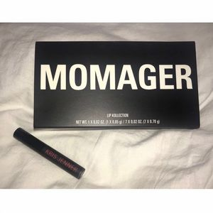 MOMAGER Kollection - Middle Finger ONLY!
